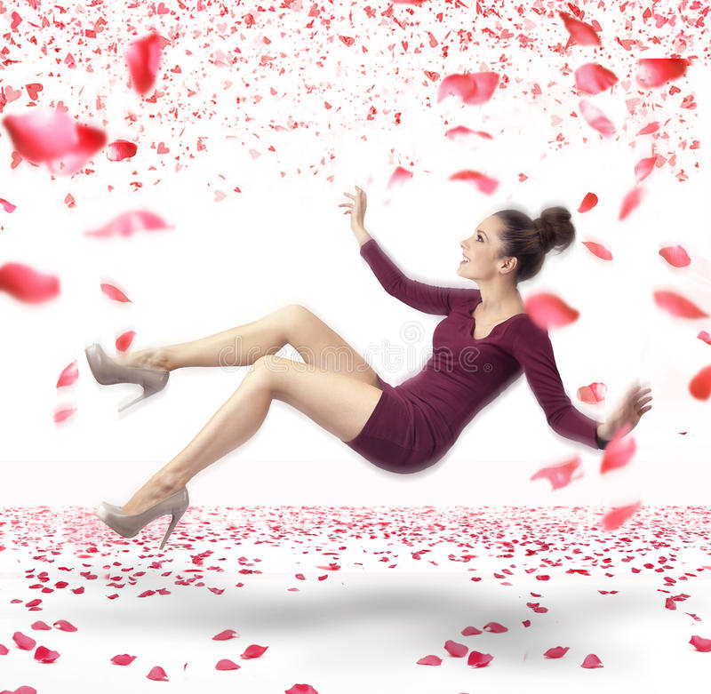 Привлекательная повелительница падая вниз стоковое фото