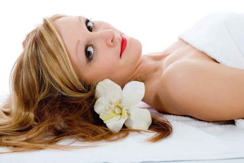 привлекательная получая спа Treatmen женщина Стоковые Фотографии RF