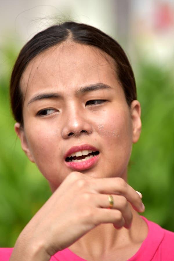 Привлекательная разнообразная женщина и запутанность стоковое изображение rf