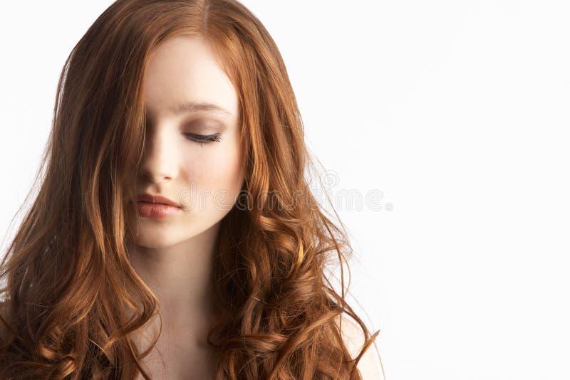 привлекательная студия девушки подростковая стоковое изображение rf