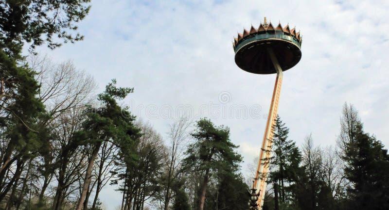 Привлекательность и ресторан Pagode для вида с воздуха парка атракционов Efteling в Нидерланд стоковое изображение rf