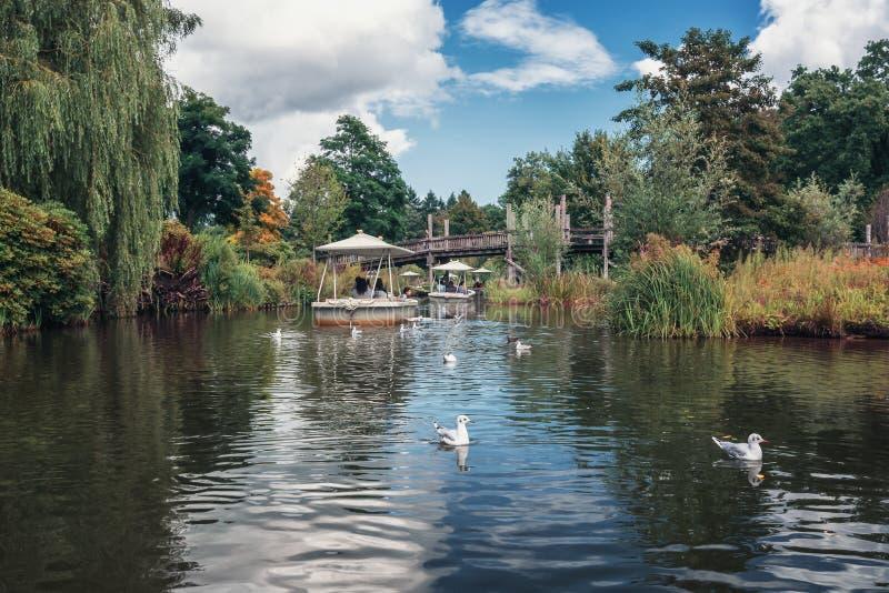 Привлекательность Gondaletta в парке атракционов Efteling в стоковая фотография