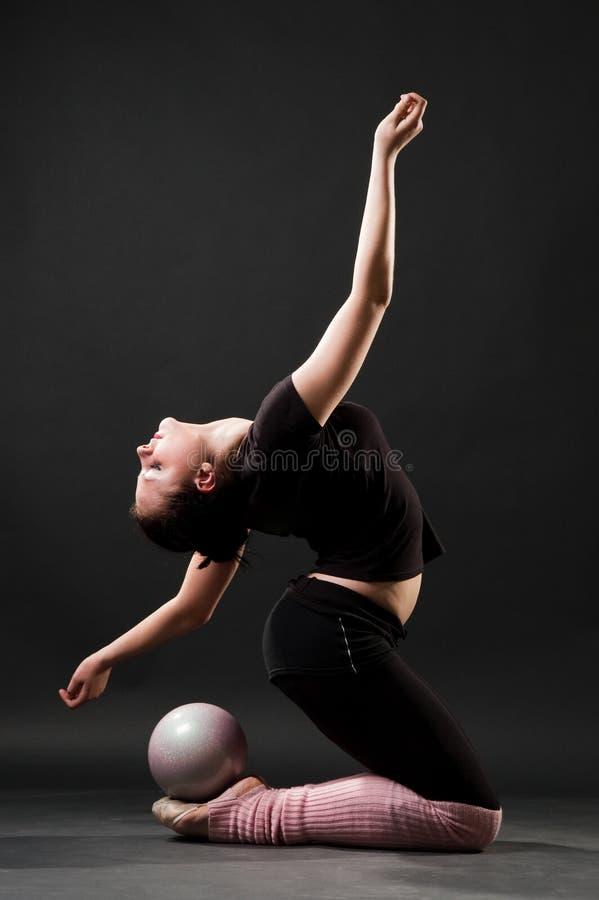привлекательный танцор гибкий стоковое изображение