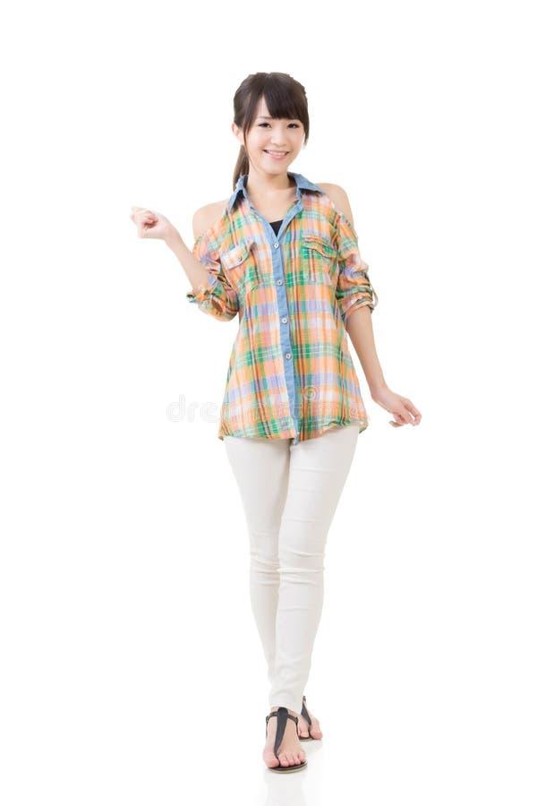 Download Привлекательная азиатская женщина Стоковое Изображение - изображение насчитывающей смотреть, утеха: 37925251