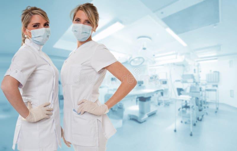 Привлекательная медицинская бригада стоковые изображения