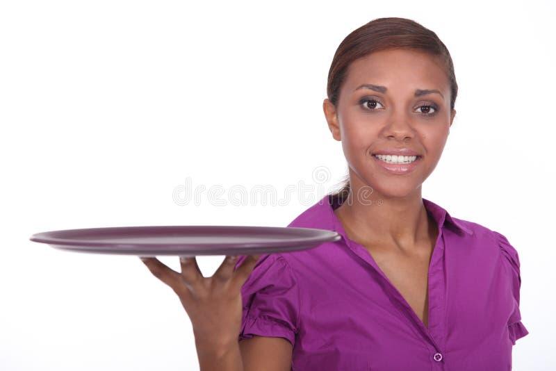 Привлекательная молодая официантка стоковая фотография rf