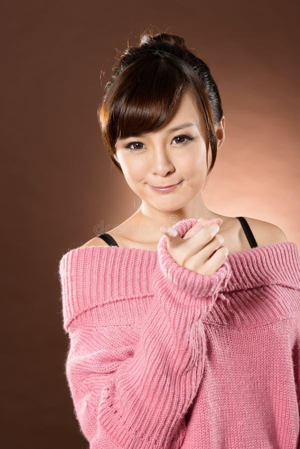 Привлекательная сексуальная азиатская дама стоковые фото