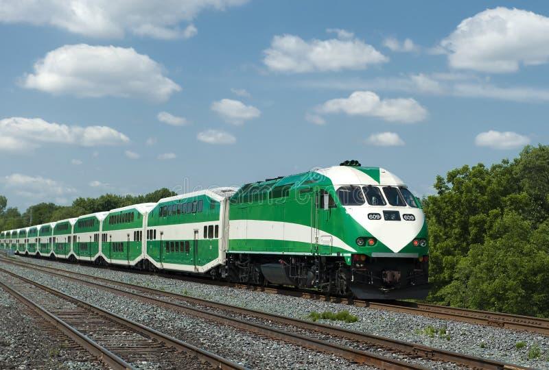 пригородный поезд стоковые фотографии rf