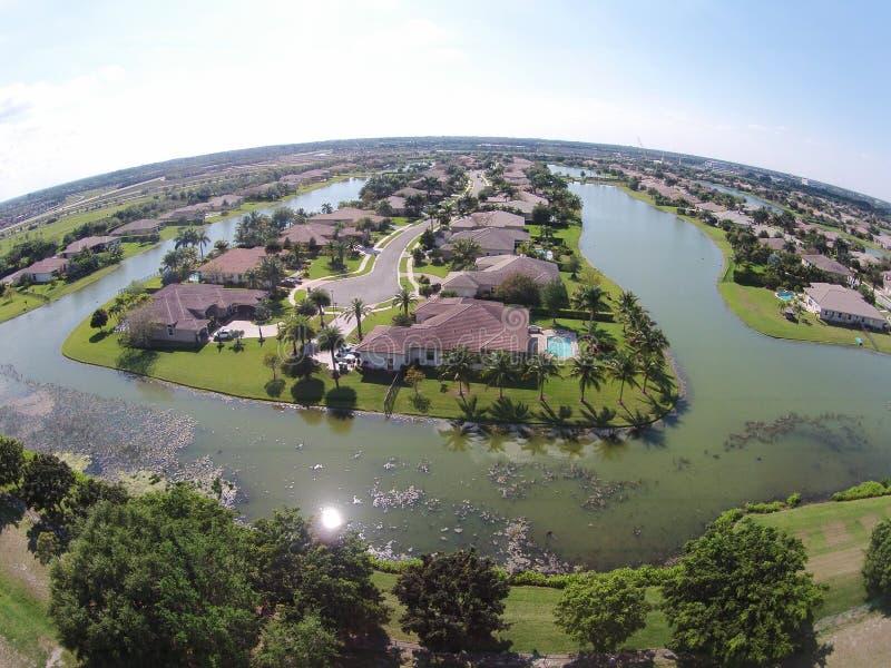Пригородные дома в виде с воздуха Флориды стоковое фото rf
