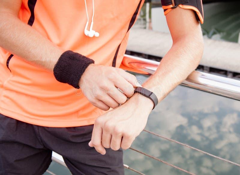 Пригодная для носки шестерня фитнеса стоковые изображения rf