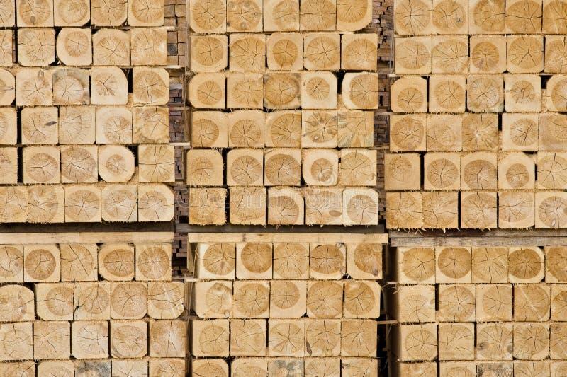 придает квадратную форму древесине Стоковая Фотография RF
