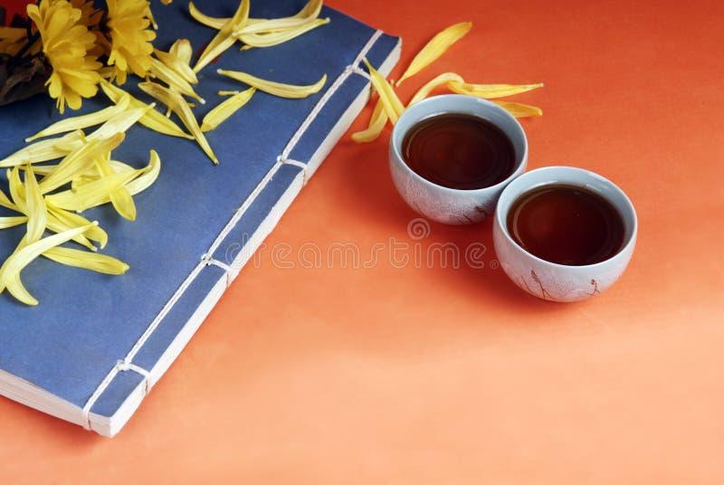 придает форму чашки чайник традиционный стоковое фото rf