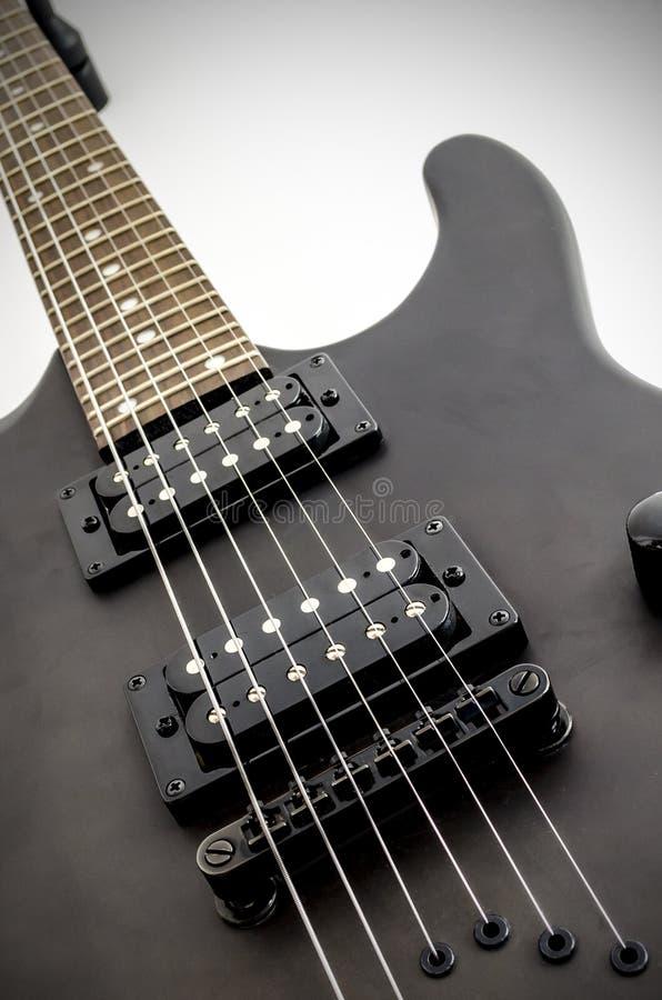 Приемистость и мост Humbucker электрической гитары стоковое изображение rf