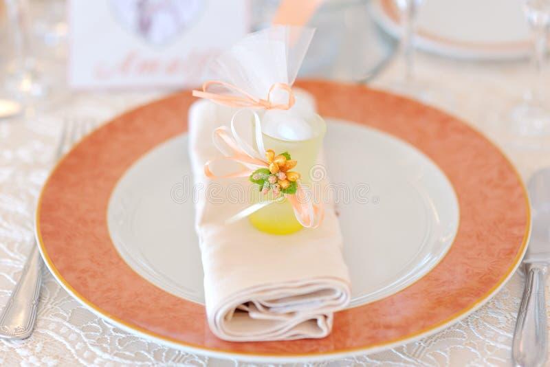 Прием по случаю бракосочетания - украшение сервировки стола стоковое изображение