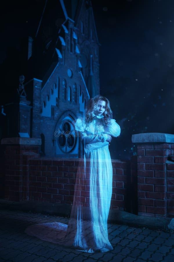 Призрак в ноче стоковое фото rf