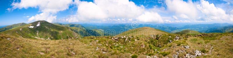 прикарпатское лето Украина панорамы горы стоковая фотография