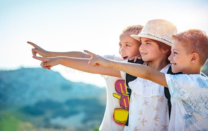 Приключения летнего лагеря стоковое изображение rf