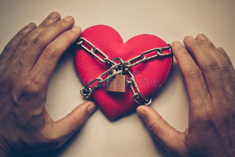 прикованное сердце стоковое фото rf