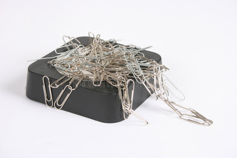 прикрепленная бумага магнита зажимов к стоковое изображение