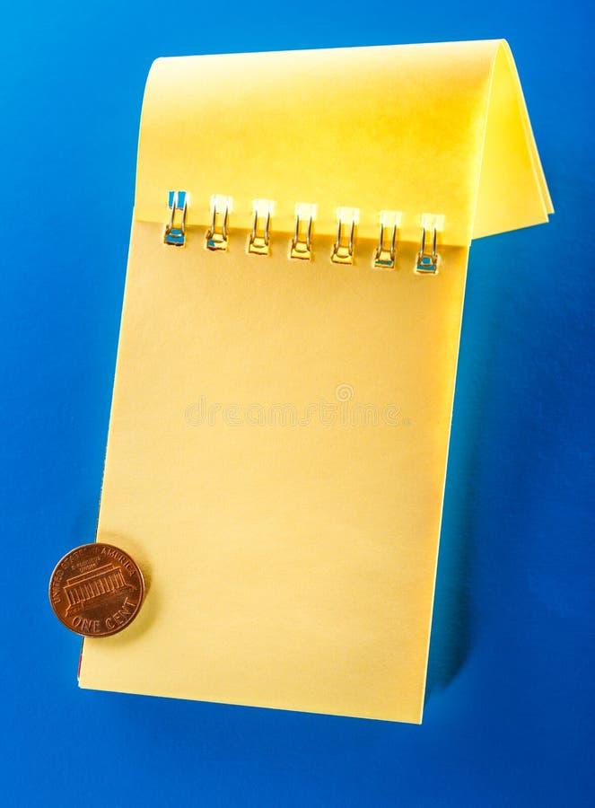 Прикройте открытую тетрадь с центом стоковое изображение rf