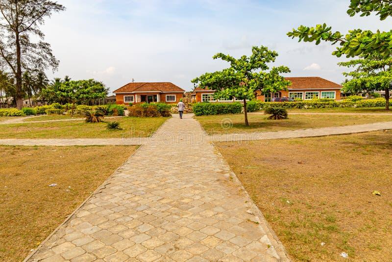 Прикрытие главного музея Обафеми Аволово пляжа Лекки Лагос Нигерия стоковые изображения