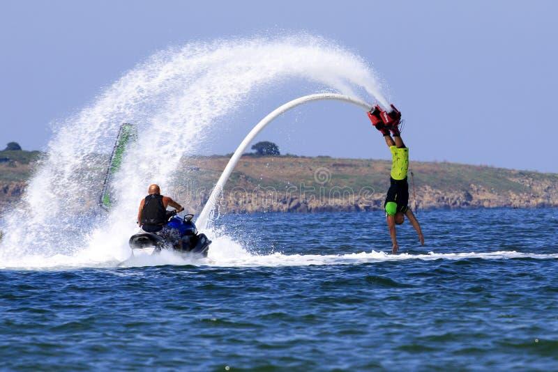 Приключение Flyboard Чёрного моря стоковое изображение