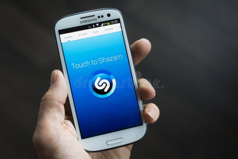 Применение черни Shazam стоковое изображение rf