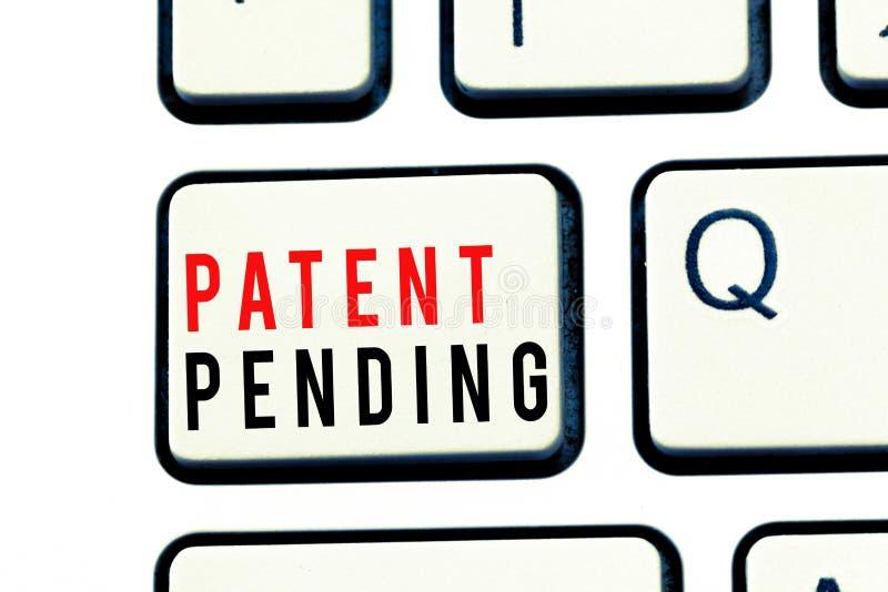Примечание сочинительства показывая патент заявлен Предохранение от showcasing запроса фото дела уже, который хранят но не пока п стоковые изображения