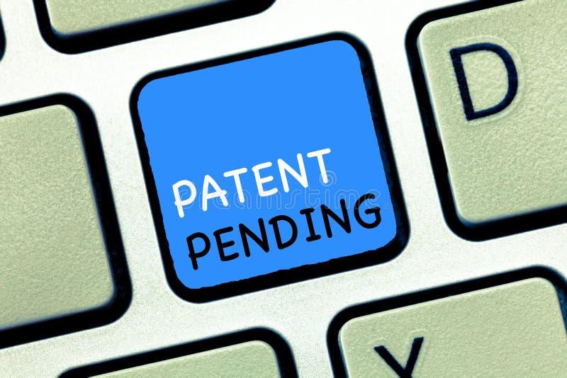 Примечание сочинительства показывая патент заявлен Предохранение от showcasing запроса фото дела уже, который хранят но не пока п стоковая фотография rf
