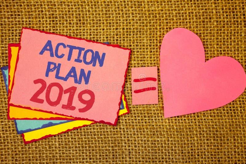 Примечание сочинительства показывая план действия 2019 Цели идей возможности фото дела showcasing для мотивировки Нового Года для стоковое фото