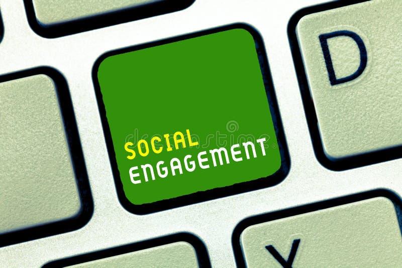Примечание сочинительства показывая социальное взаимодействие Степень фото дела showcasing захвата в интернет-сообществе или обще стоковая фотография
