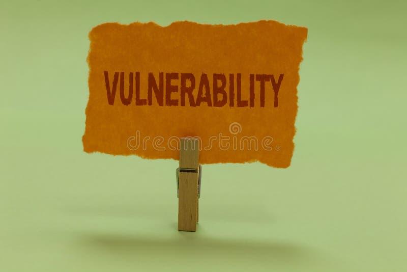 Примечание сочинительства показывая уязвимость Системы подверженности данным по фото дела showcasing прослушивают li атакующего э стоковое фото rf