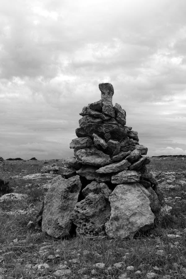 принесите желание сделайте камни к воле обмотать желание стоковое изображение