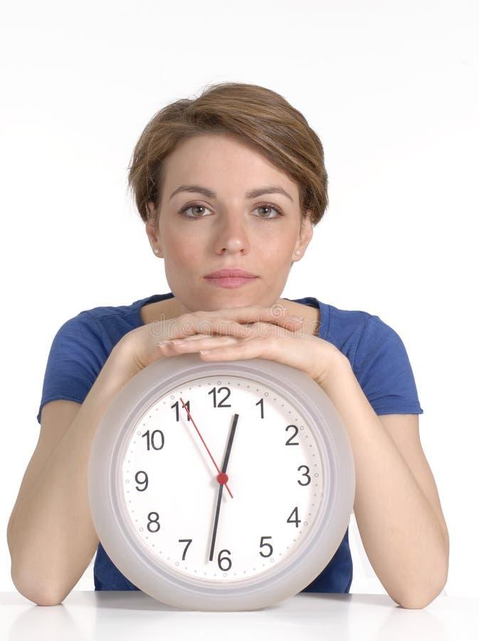 принимать детенышей женщины времени стоковое изображение