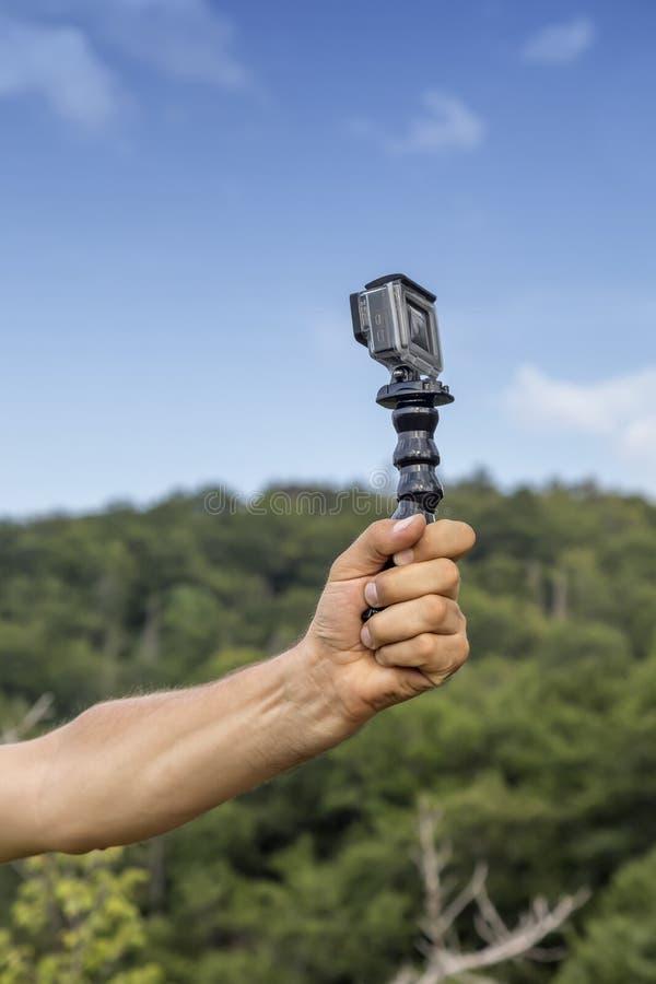 Принимать selfie в природе стоковые фотографии rf