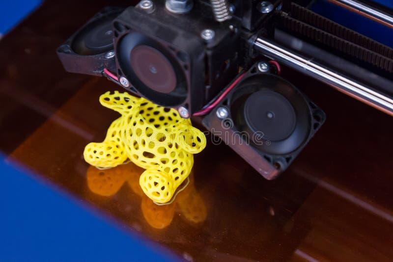 принтер 3d на эпицентре деятельности технологии в милане, Италии стоковые изображения rf