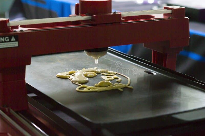 принтер 3d то печатание жидкостное тесто стоковое изображение rf