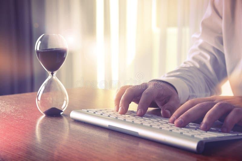 Принципиальная схема контроля времени стоковая фотография