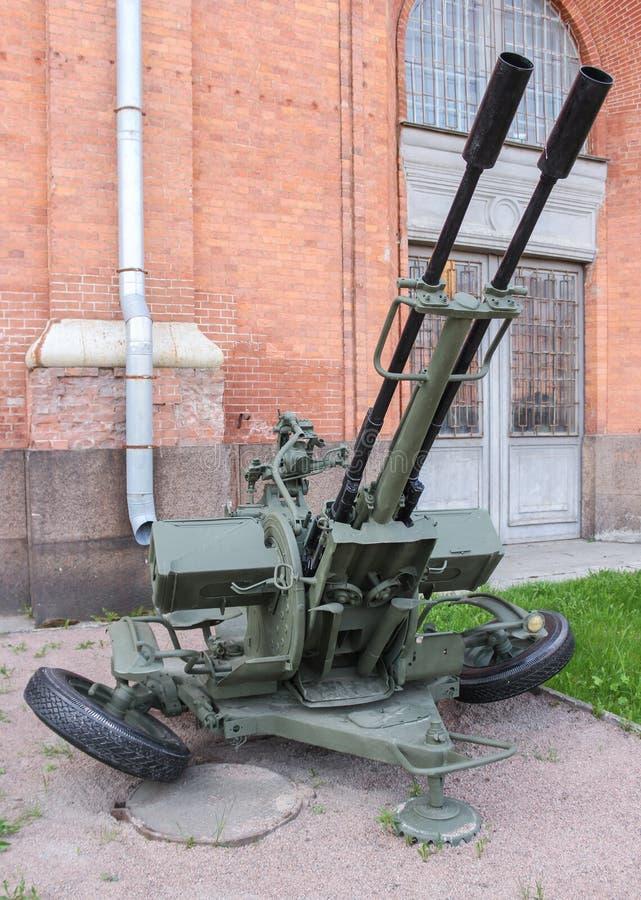 Приостанавливанная зенитная пушка ZU-23 стоковые фотографии rf