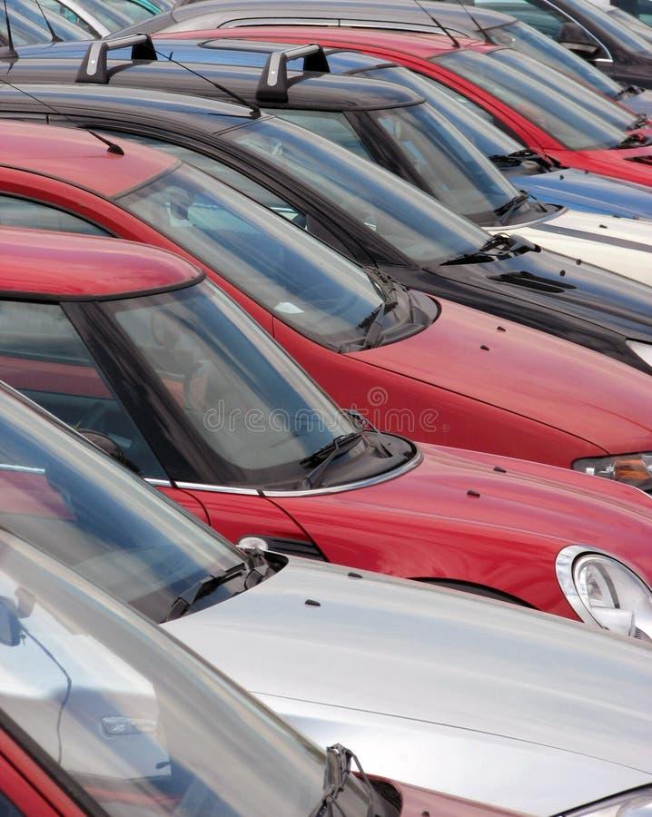 припаркованные автомобили стоковая фотография rf