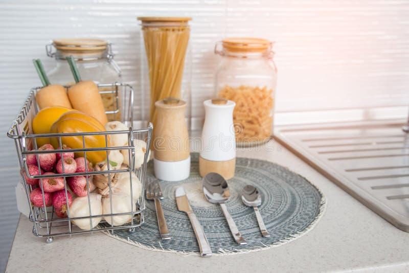 Приправы в кухне стоковое изображение
