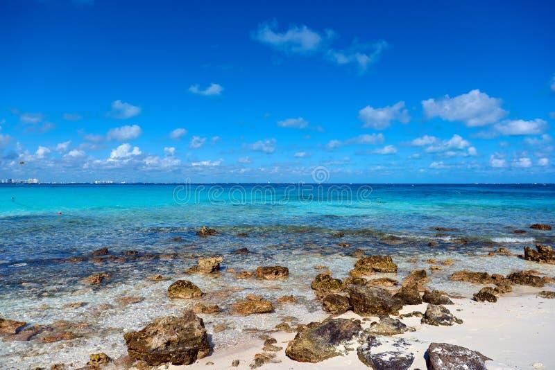 Природа рая, лето на тропическом пляже стоковые изображения