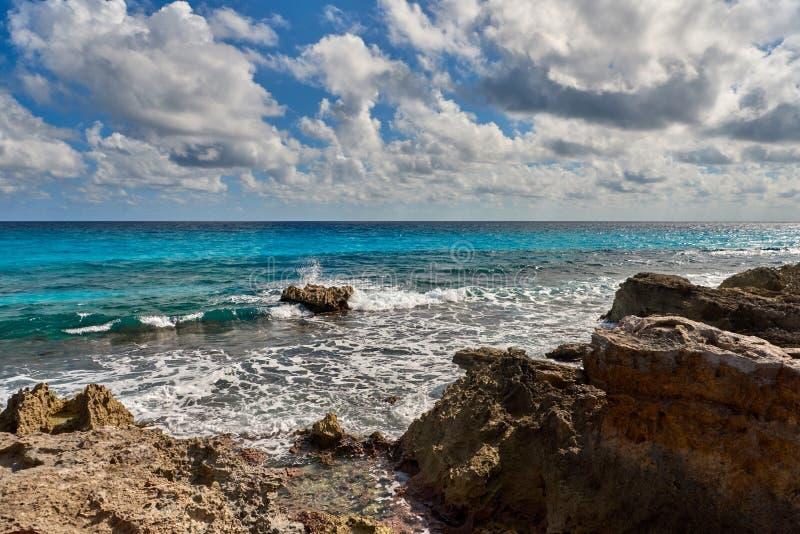 Природа рая, лето на тропическом пляже стоковые фотографии rf