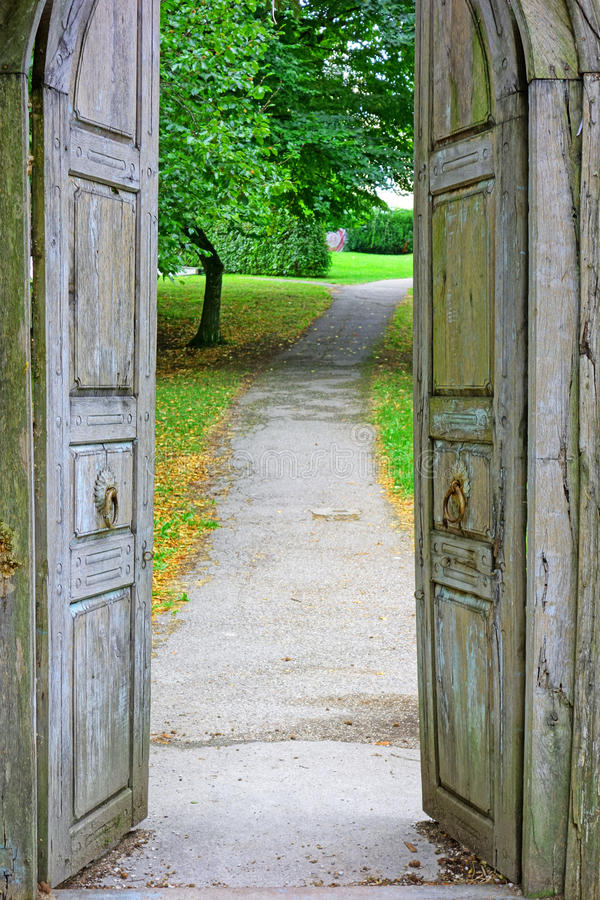природа двери к стоковое фото