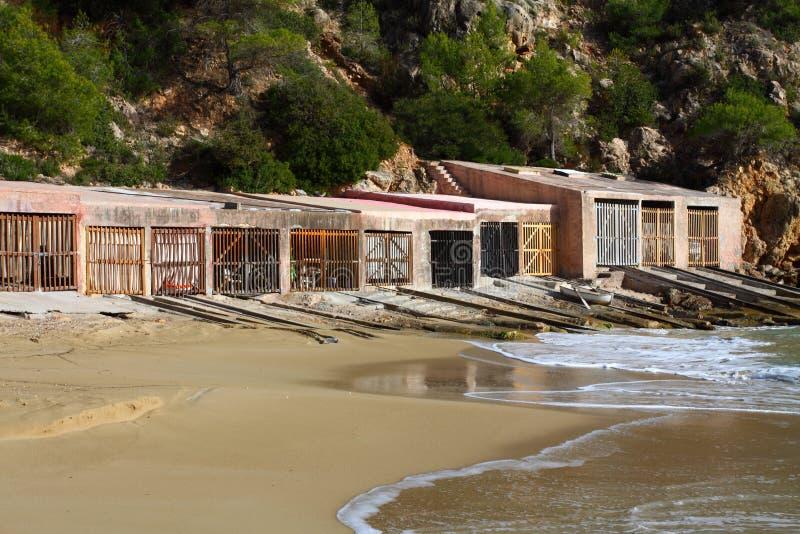 пристаньте ibiza к берегу типичное стоковые изображения