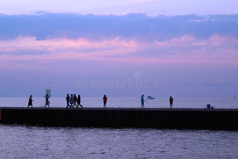 Пристань вдоль Lake Michigan стоковые фотографии rf