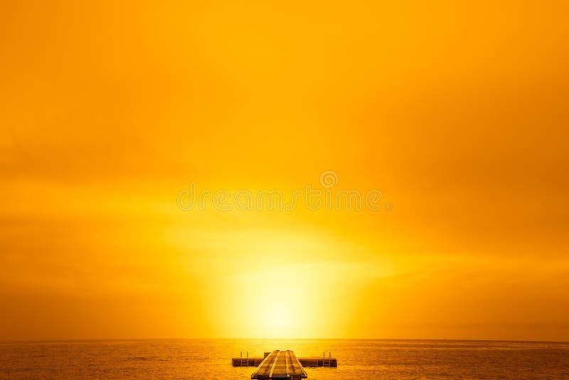 Пристань в солнце стоковая фотография rf