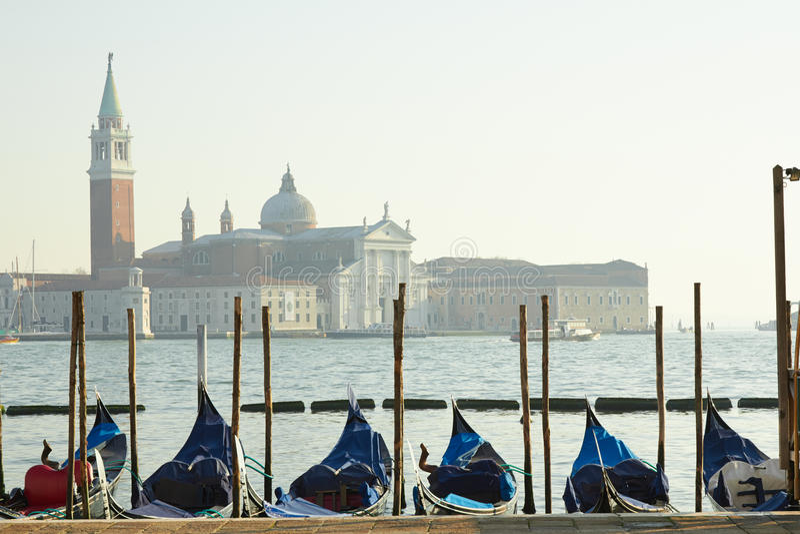 Пристань гондол Венеции приближает к квадрату Marco Святого стоковая фотография