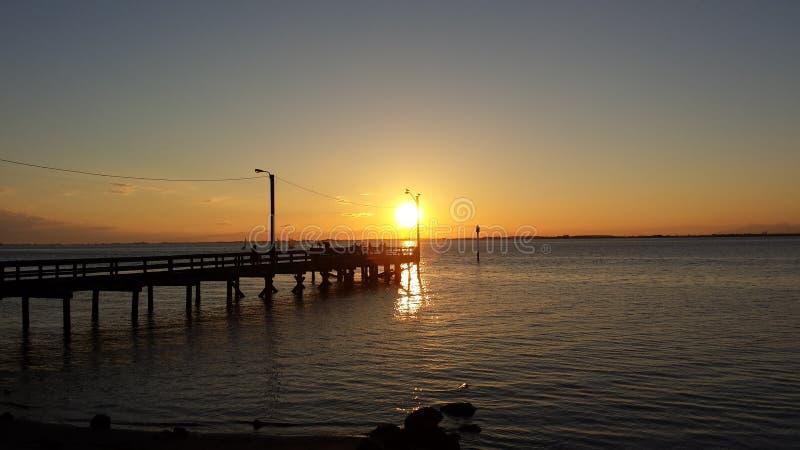 Пристань захода солнца стоковое изображение rf