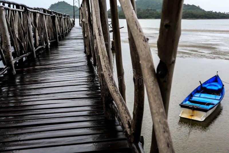 Пристань моста на Gulf of Thailand стоковое фото